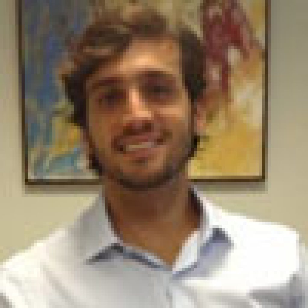 Carlos-Andrade-300×300-1-400×500